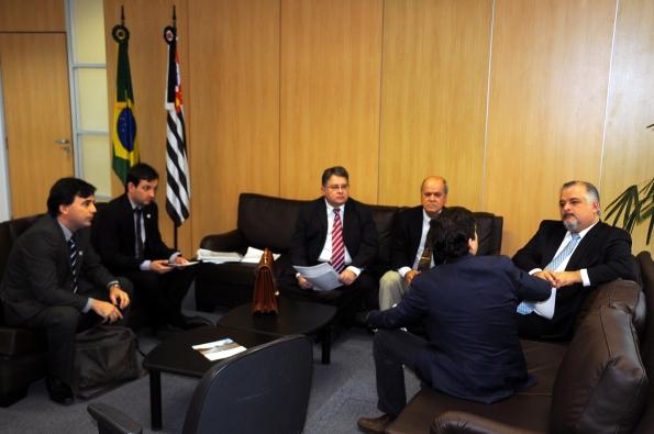 Reunião de autoridades de Marília com o vice-governador de SP
