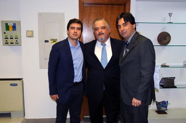Prefeito de Marília, Vinícius Camarinha; Vice-Governador de SP, Márcio França; Presidente da ASSERTI, Elvis Fusco